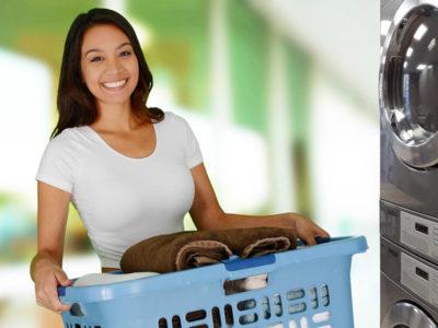 illustration d'une personne qui lave son linge